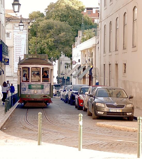 tram_lisbonne_portugal_trnasport_moins_cher
