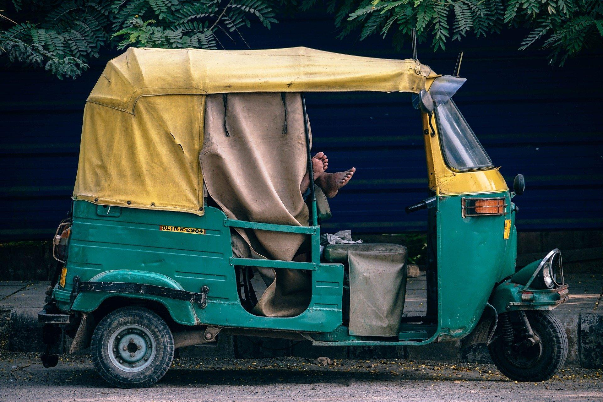 tuktuk-thailande_asie_voyager_moins-cher_transports