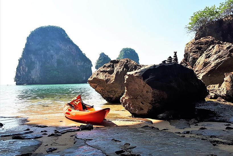 Kayak_a_phranang_et_railey_beach_thailande