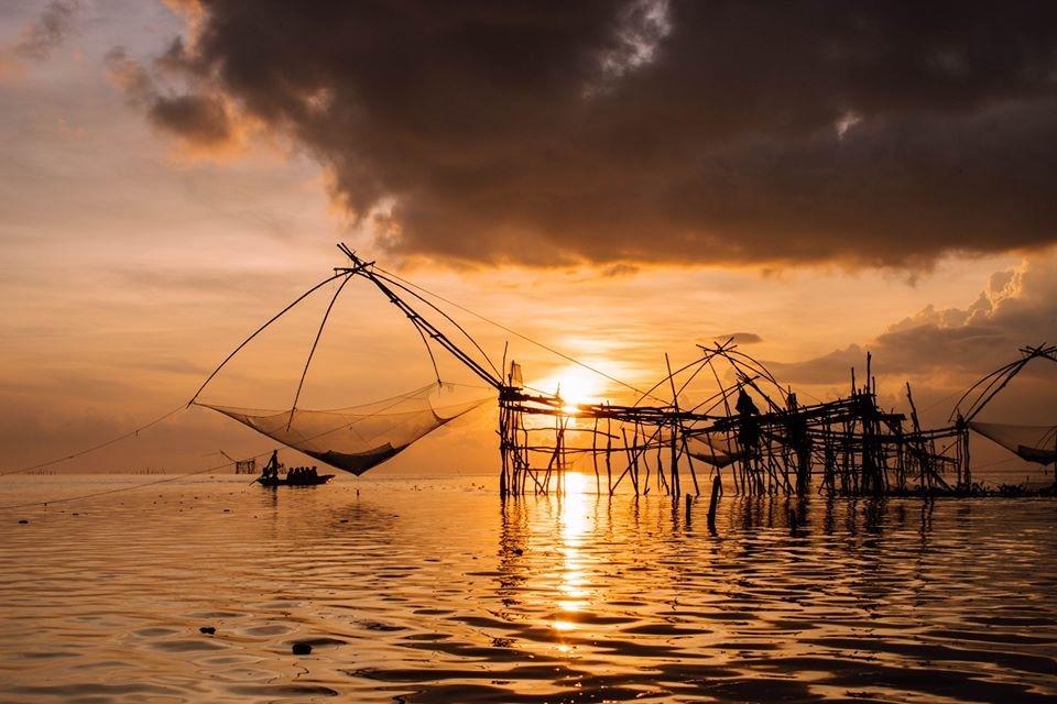 tale-noi-thailande-pecheurs-sunset